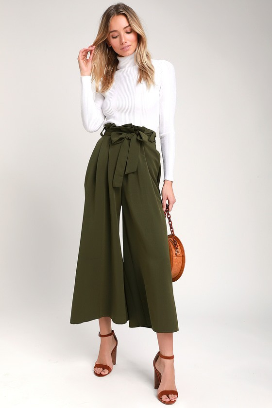Green paper bag pants outfit