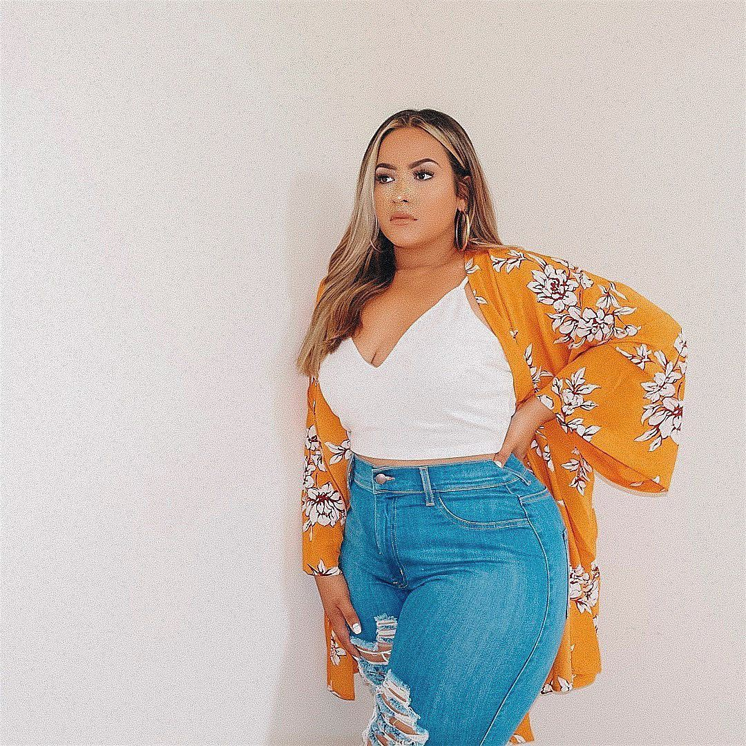 Yellow and orange lookbook fashion with crop top, denim, jeans