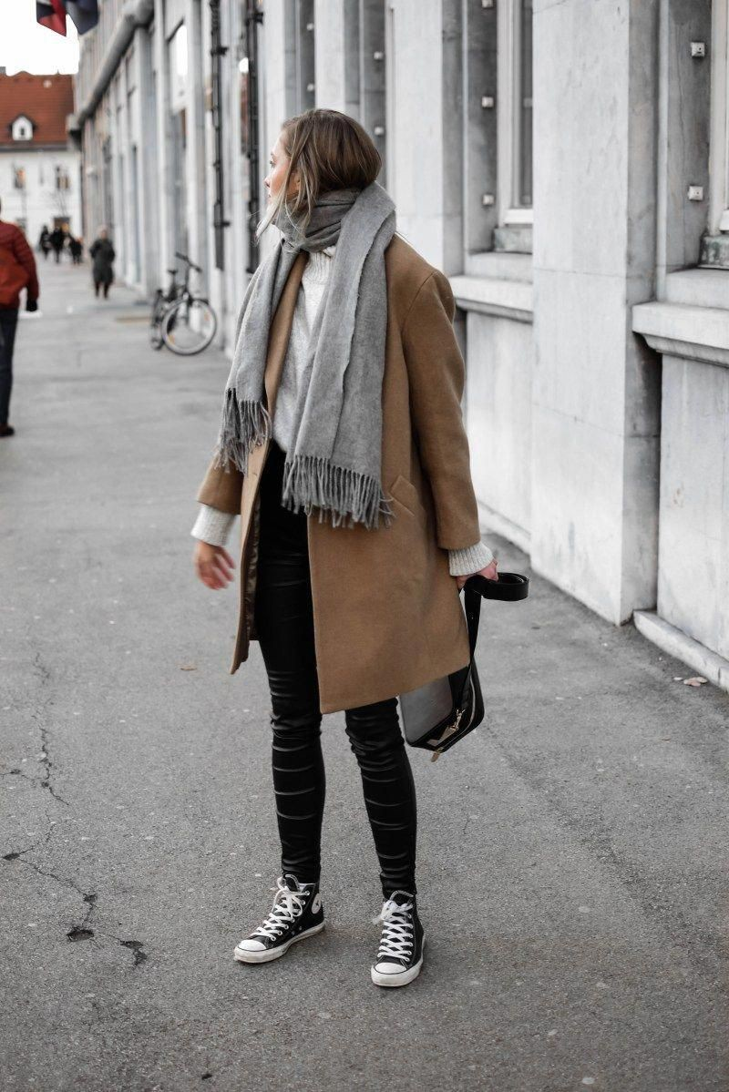 Colour outfit with trench coat, leggings, jeans
