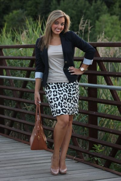 Brown and white colour outfit, you must try with miniskirt, shorts, blazer