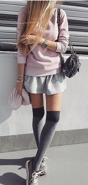 Colour outfit with trench coat, stocking, blazer