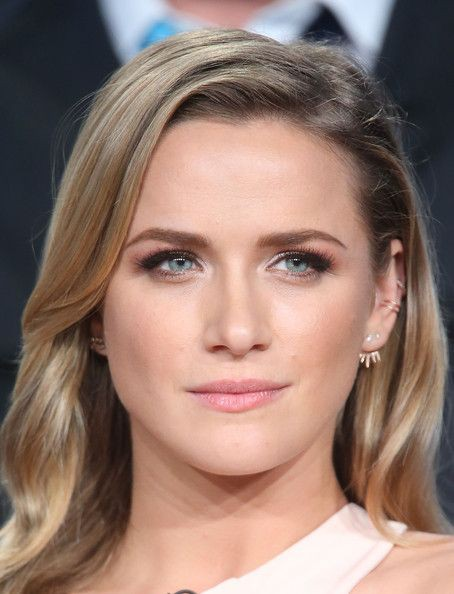Shantel VanSanten blond hairs pic, Cute Face, Lip Makeup