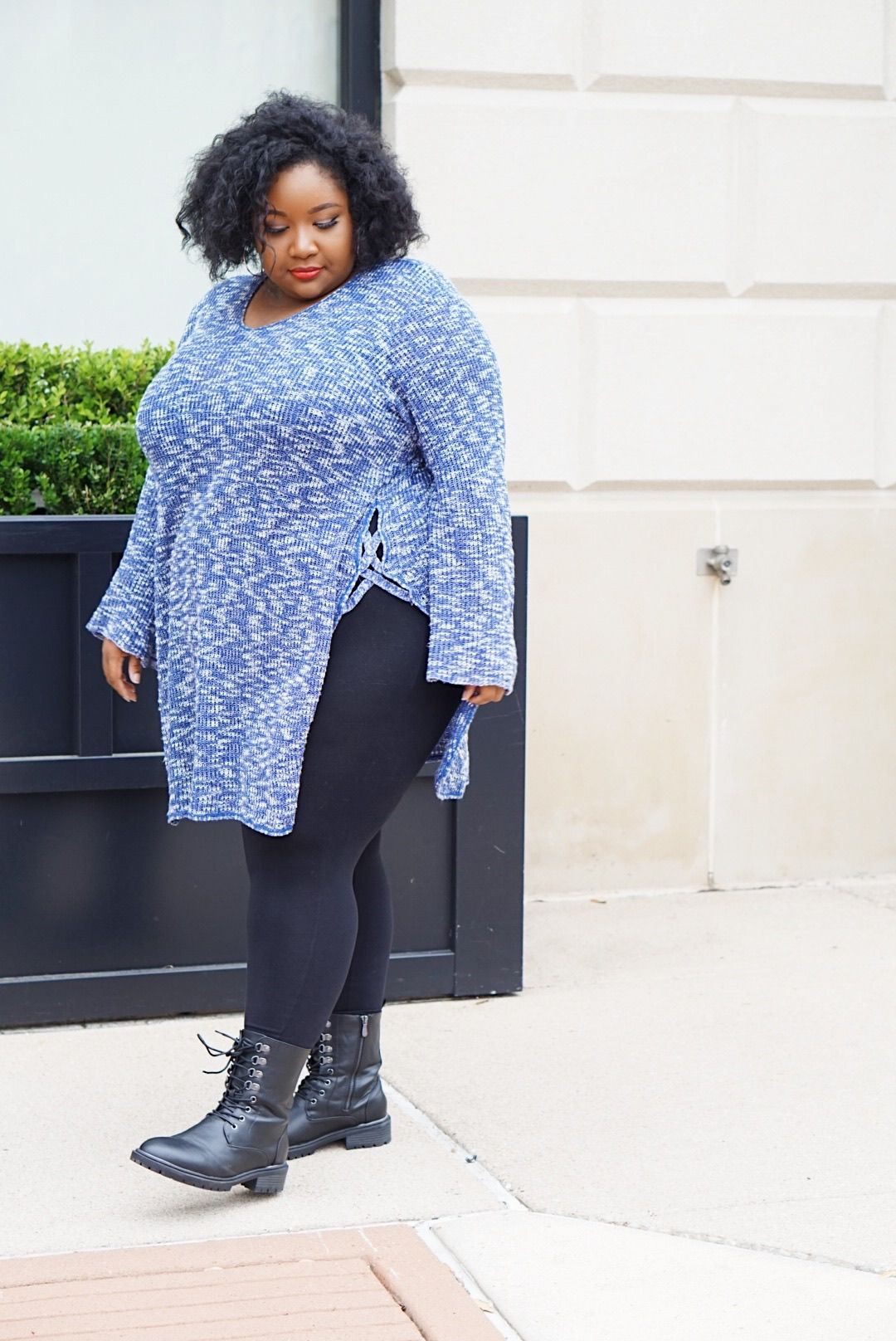 Blue outfit ideas with leggings, tights, jeans