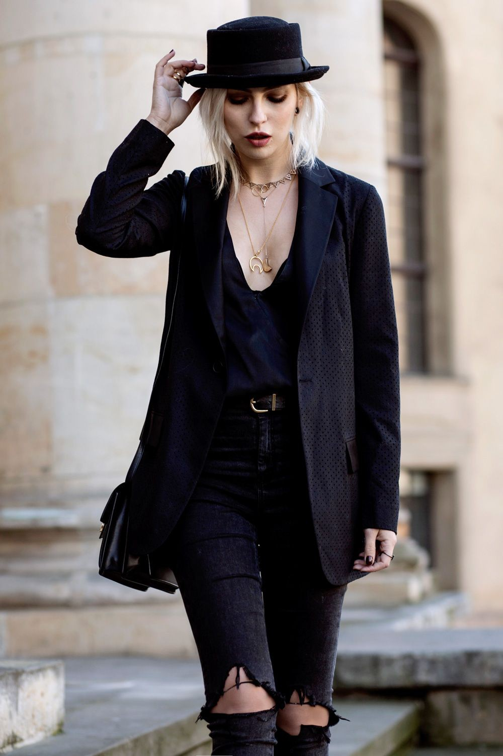 Black colour outfit, you must try with fashion accessory, blazer, fedora