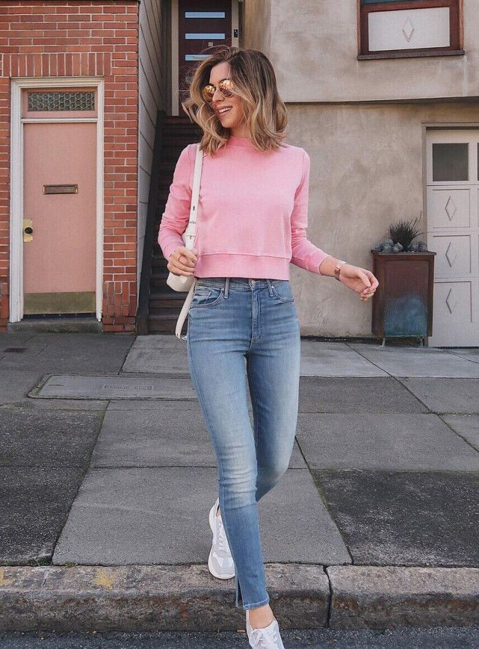 Pink colour outfit with crop top, leggings, hoodie