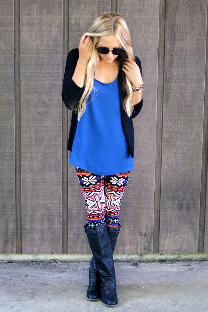 Christmas leggings outfit ideas, winter leggings, street fashion, electric blue, cobalt blue, t  ...