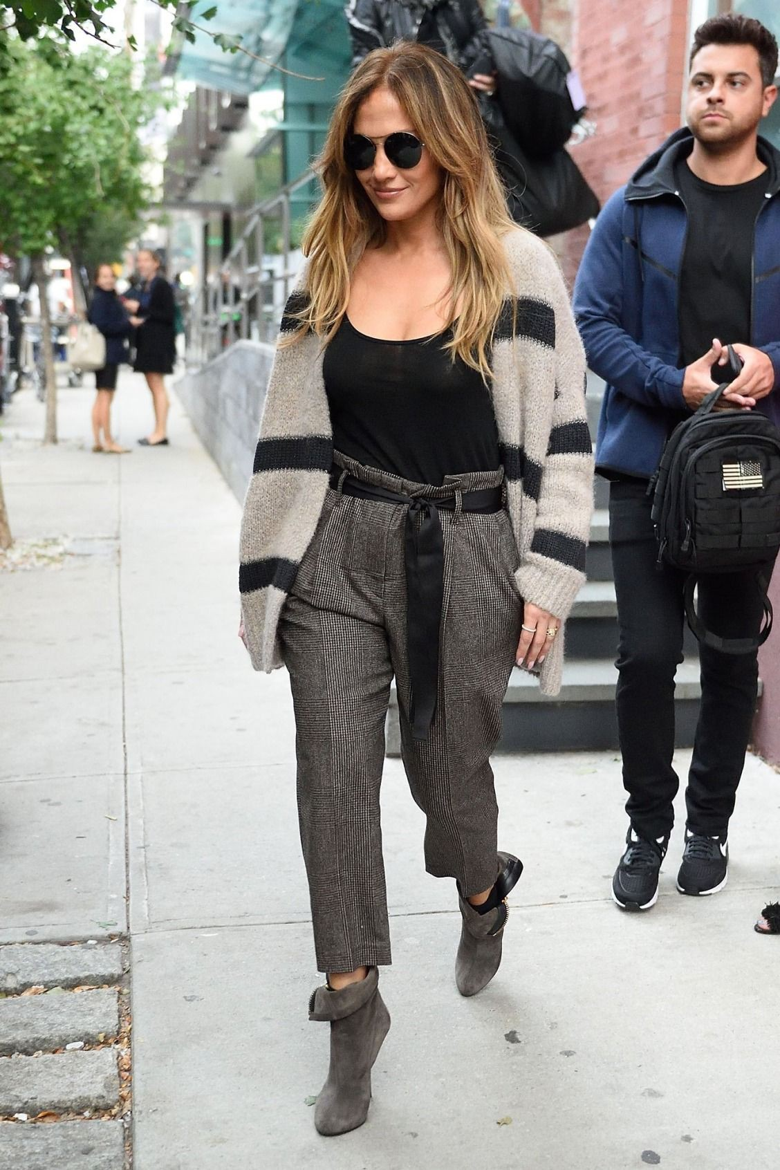 Outfit ideas styling paperbag pants paper bag pant, paperbag waist