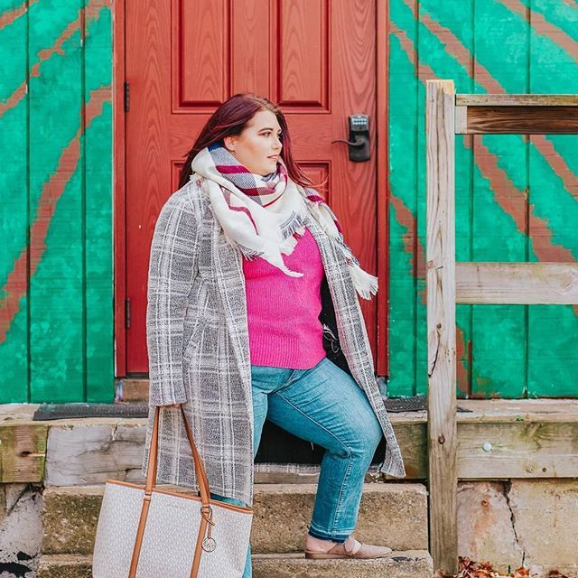 Turquoise and green colour ideas with jeans, coat