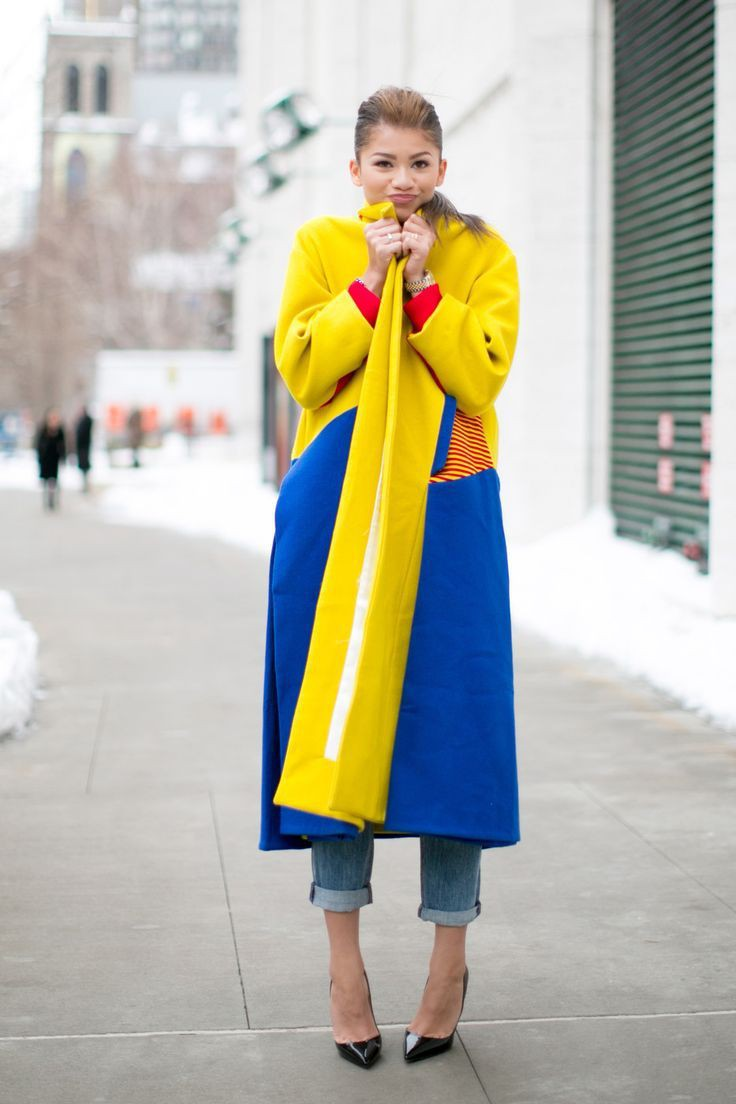Primary colors street style, street fashion, primary color, electric blue, street style, fashion ...