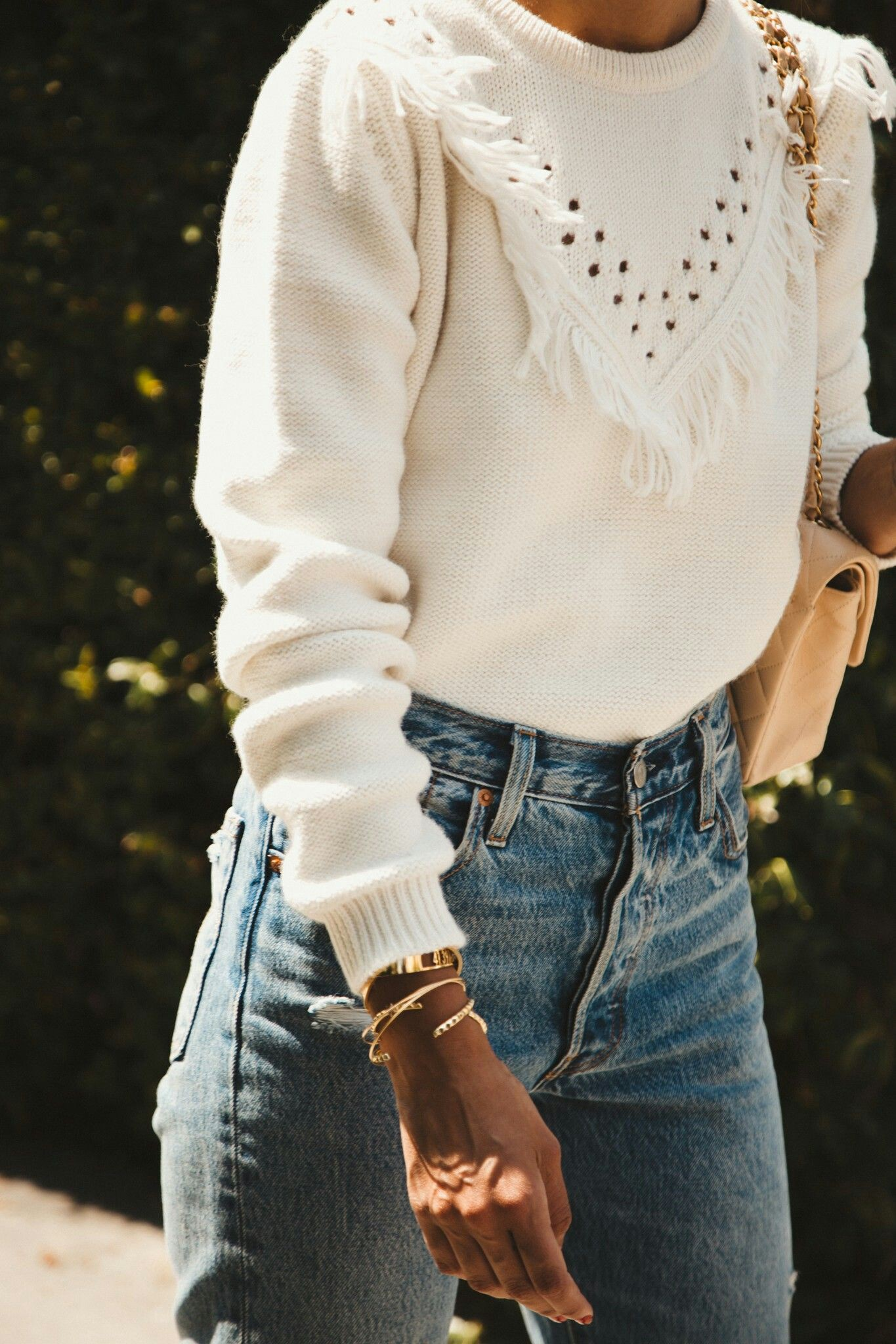 White colour outfit ideas 2020 with bohemian style, sweater, denim