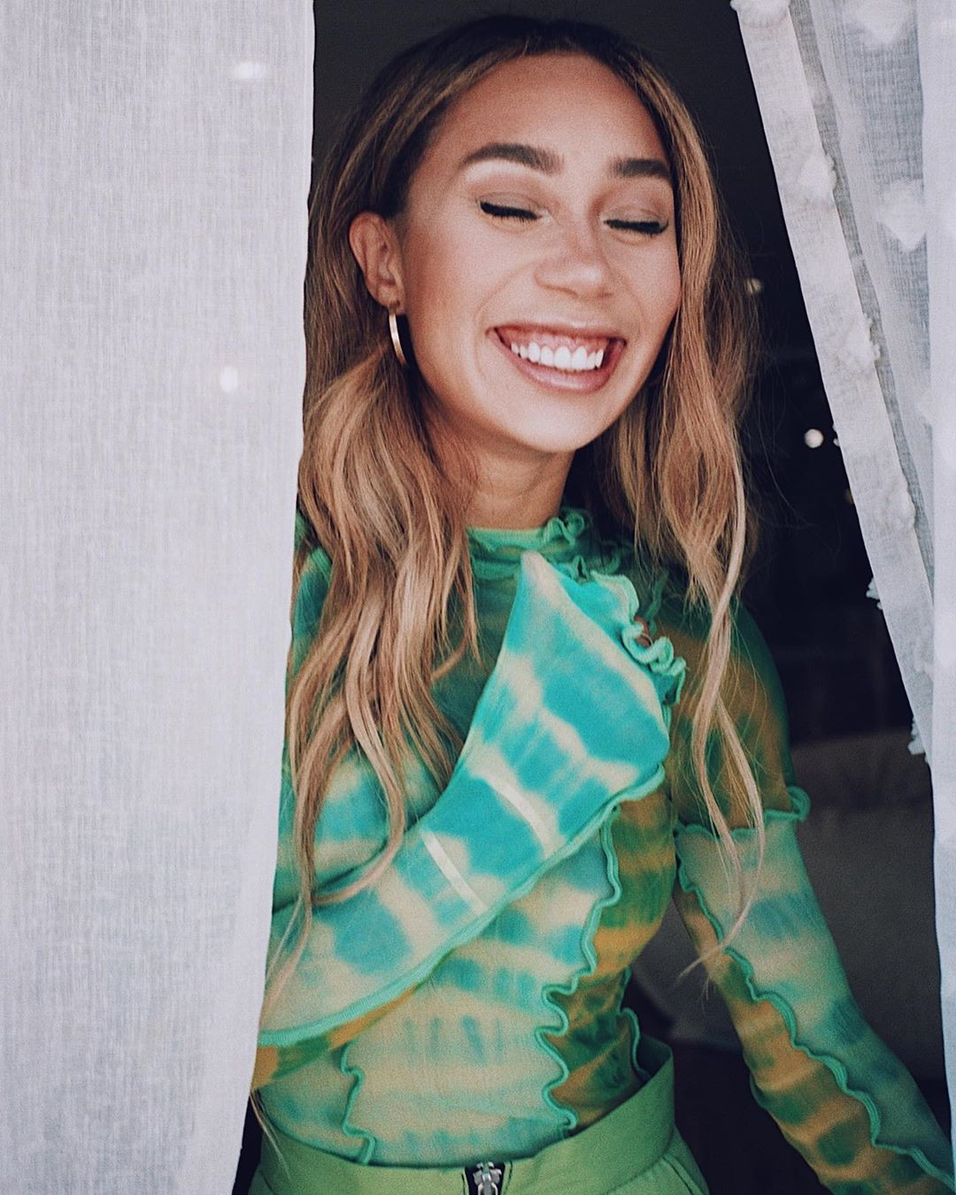 Eva Gutowski Pretty Face, Glossy Lips, Hairstyle For Girls