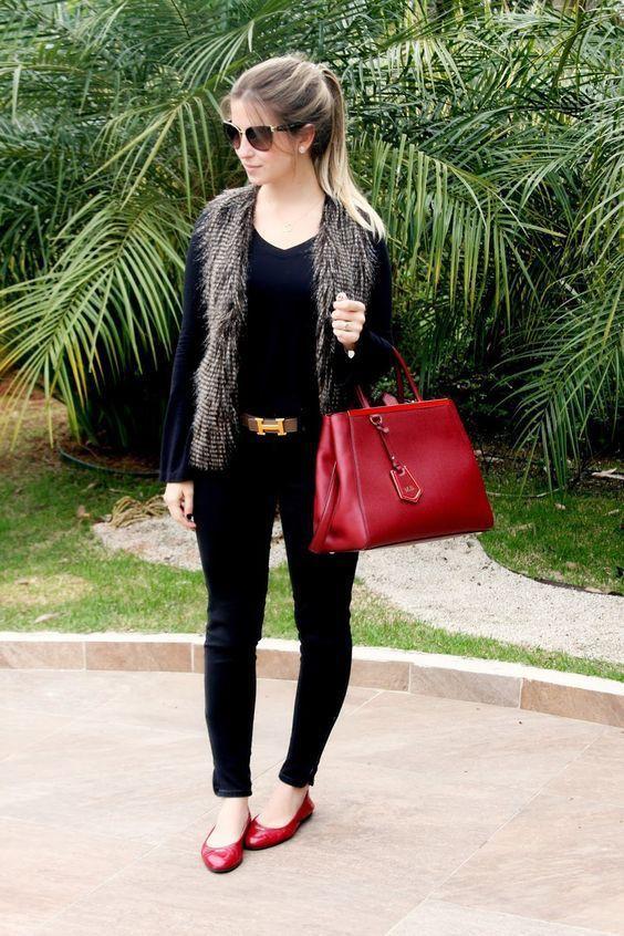 Outfit blusa negra manga larga