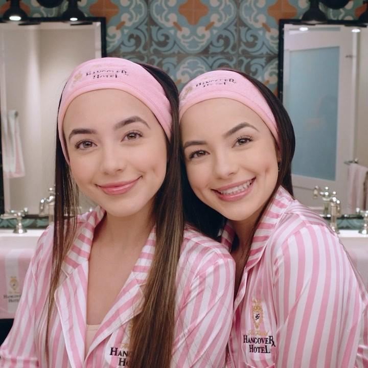 Veronica Merrell Girls With Beautiful Face, Lip Makeup, friendship