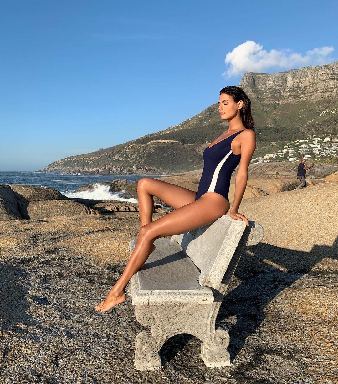 Bojana Krsmanovic hot girls photoshoot, hot legs, wardrobe ideas