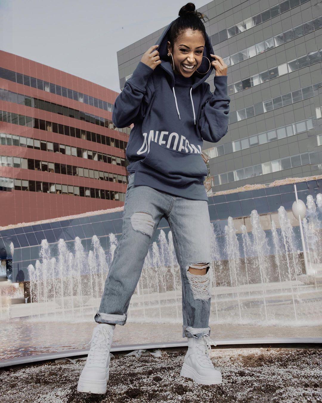 Liza Koshy sportswear, denim, jeans dresses ideas
