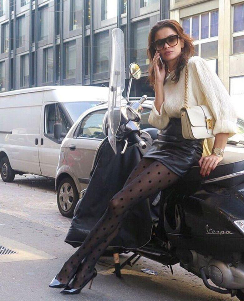 Calzedonia dot tights pois, street fashion, tights black, polka dot, long hair