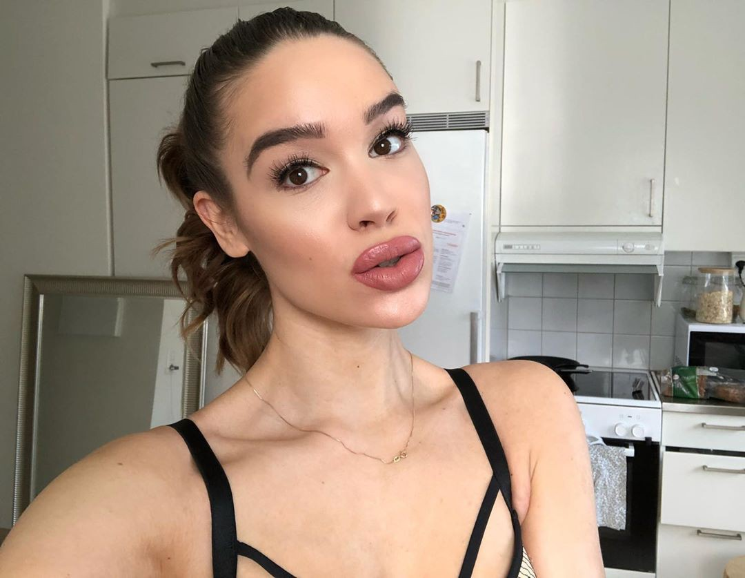 Isabelle Tounsi Bautiful Face, Natural Glossy Lips, Hair Style
