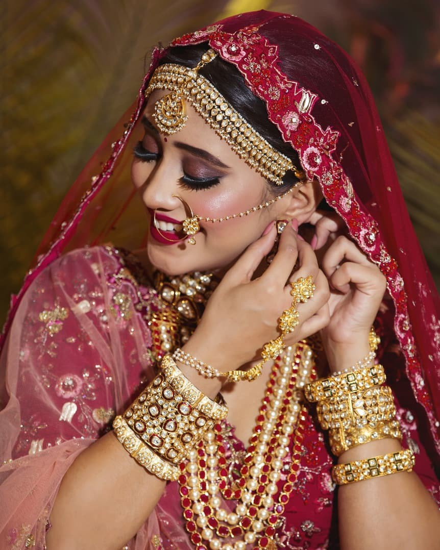 maroon colour outfit, you must try with sari, jewellery, jewellery