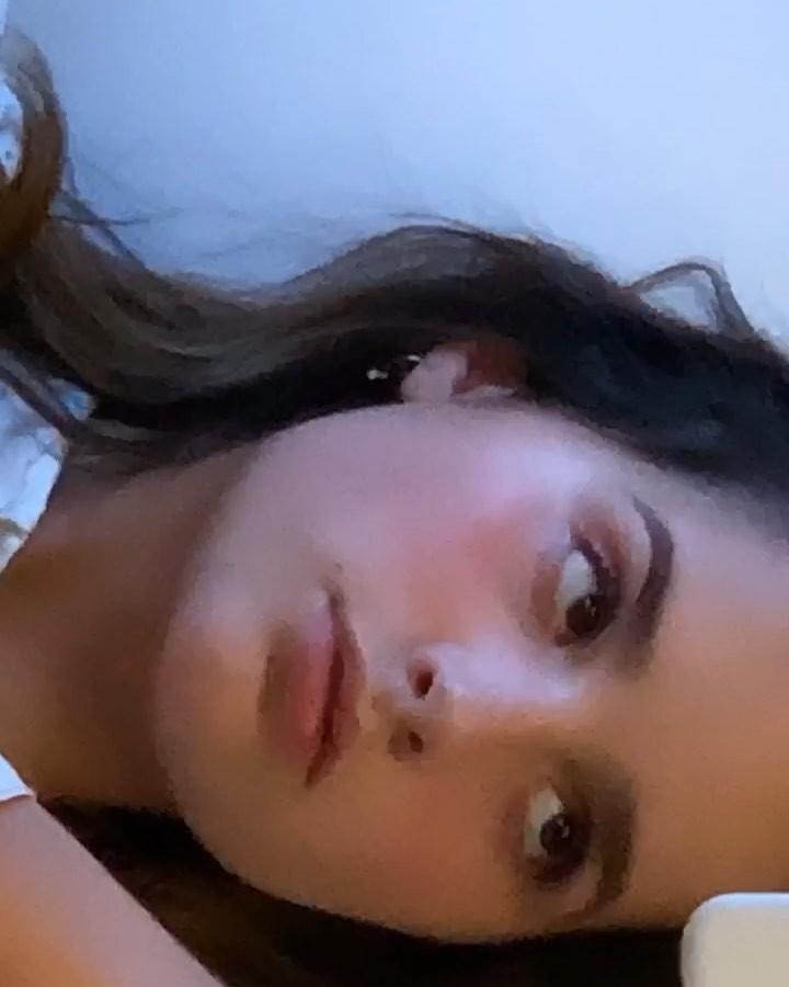 Annie LeBlanc Pretty Face, Glossy Lips, Girls Hairstyle