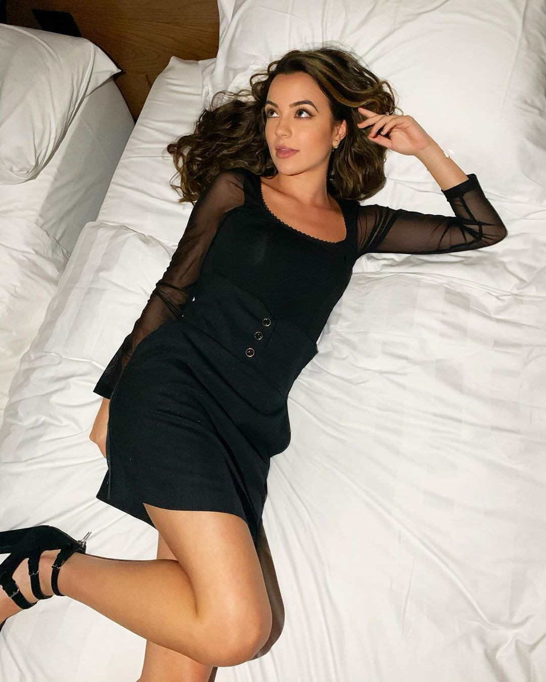 Vanessa Merrell photoshoot poses, thigh pics, legs pic