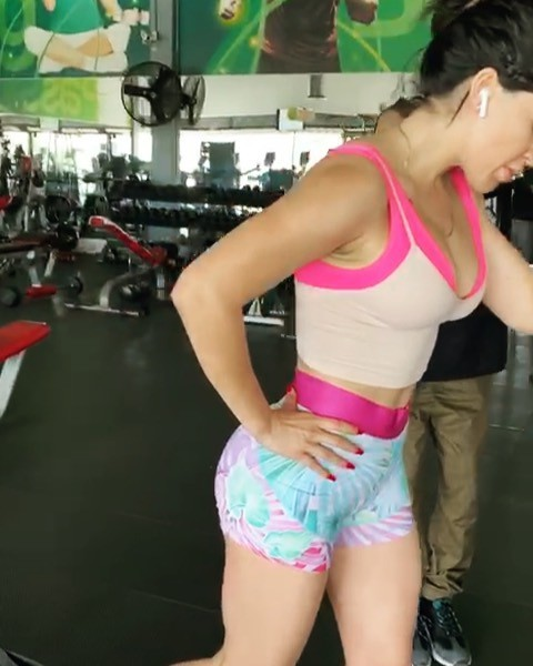 Mary Baltazar sportswear colour outfit, you must try, hot legs girls, legs photo