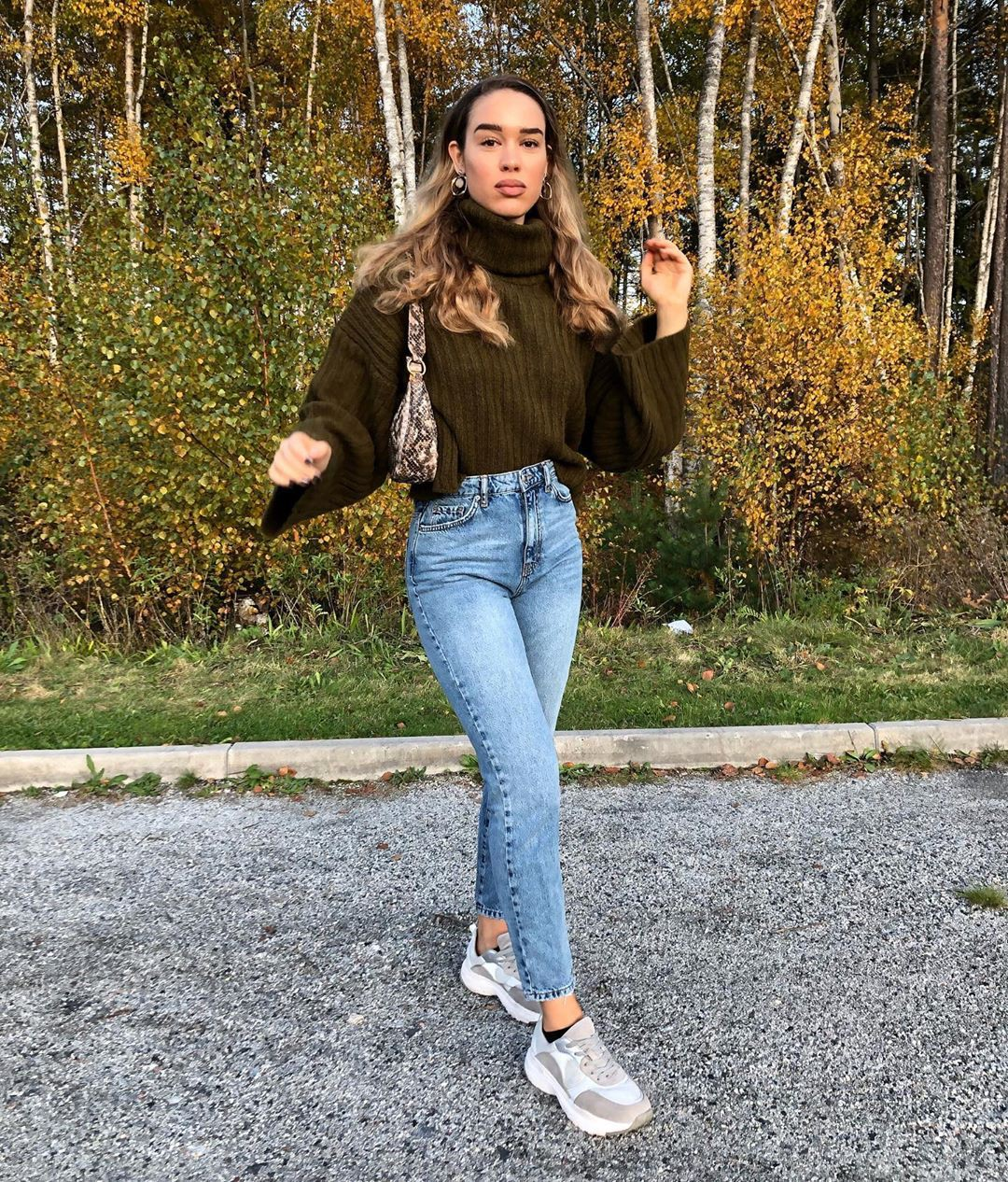 brown outfit ideas with fur jacket, denim, jeans