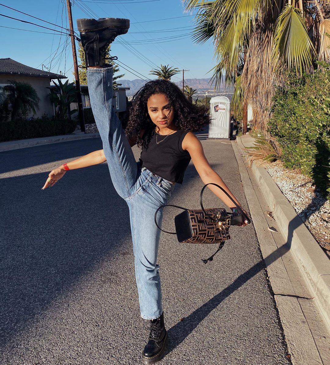 Daniella Perkins denim, jeans style outfit, instagram photoshoot