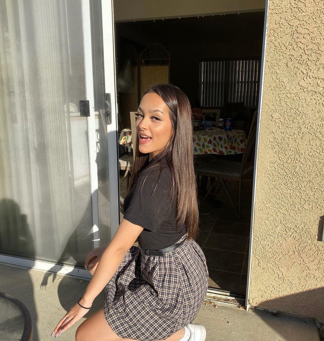 Hailey Orona cute girls photos, hot legs girls, sexy legs