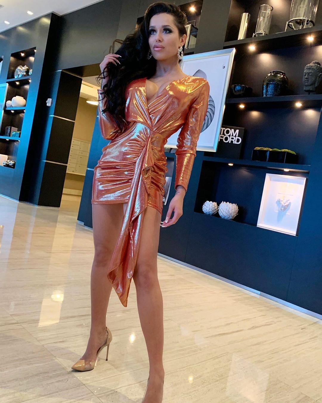 Playmate Kamila dress outfit ideas, legs photo, Sexy Models