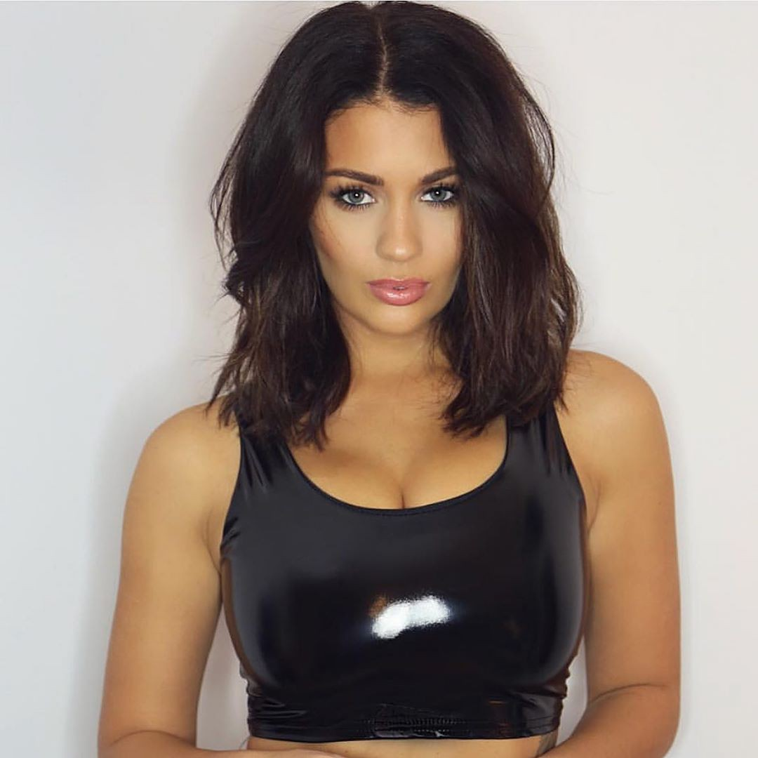 Holly Peers instagram photoshoot, Natural Black Hairstyles, Hairstyle For Girls
