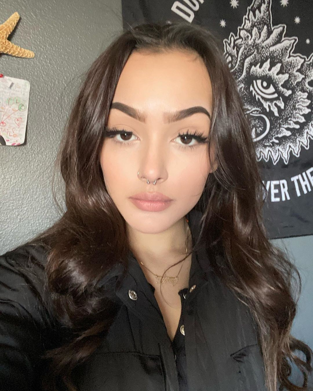 Hailey Orona Face Makeup Ideas, Glossy Lips, Hairstyles For Long Hair