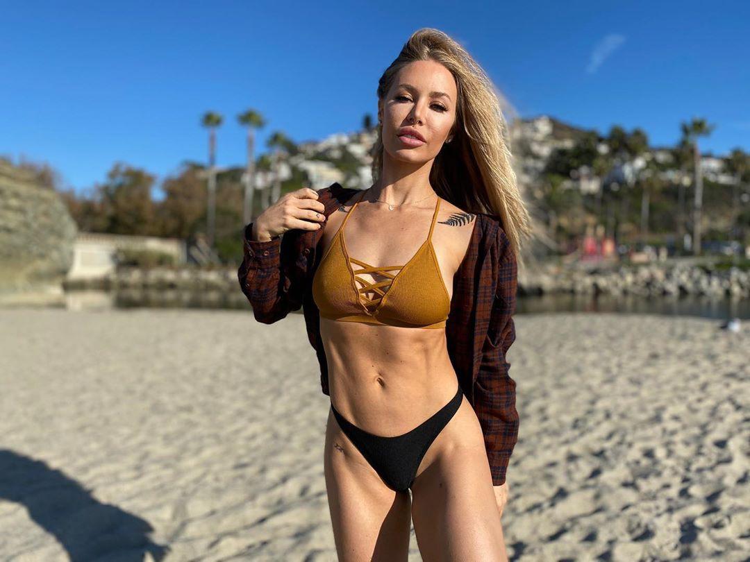 Nicole Aniston lingerie, bikini swimsuit top, swimwear colour ideas