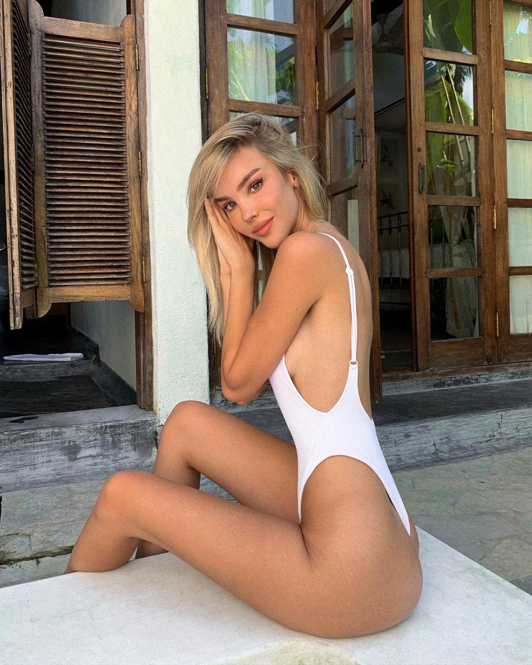 Maria Domark photoshoot ideas, hot legs girls, legs picture