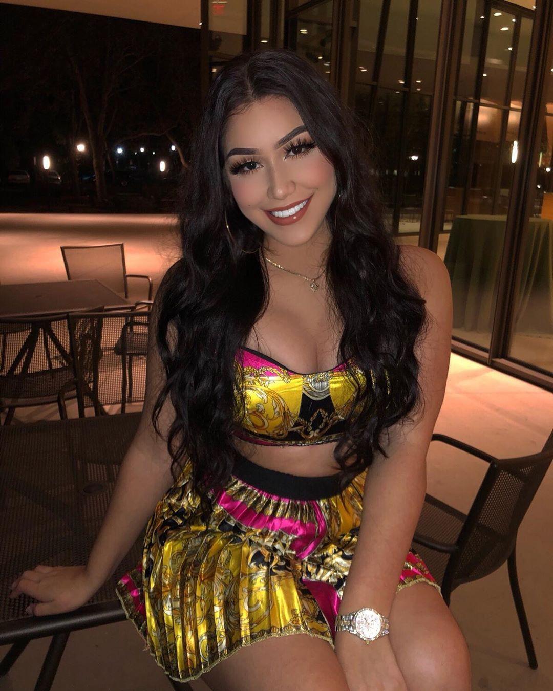 Alondra Mendoza hot thighs, fine legs, Natural Black Hair