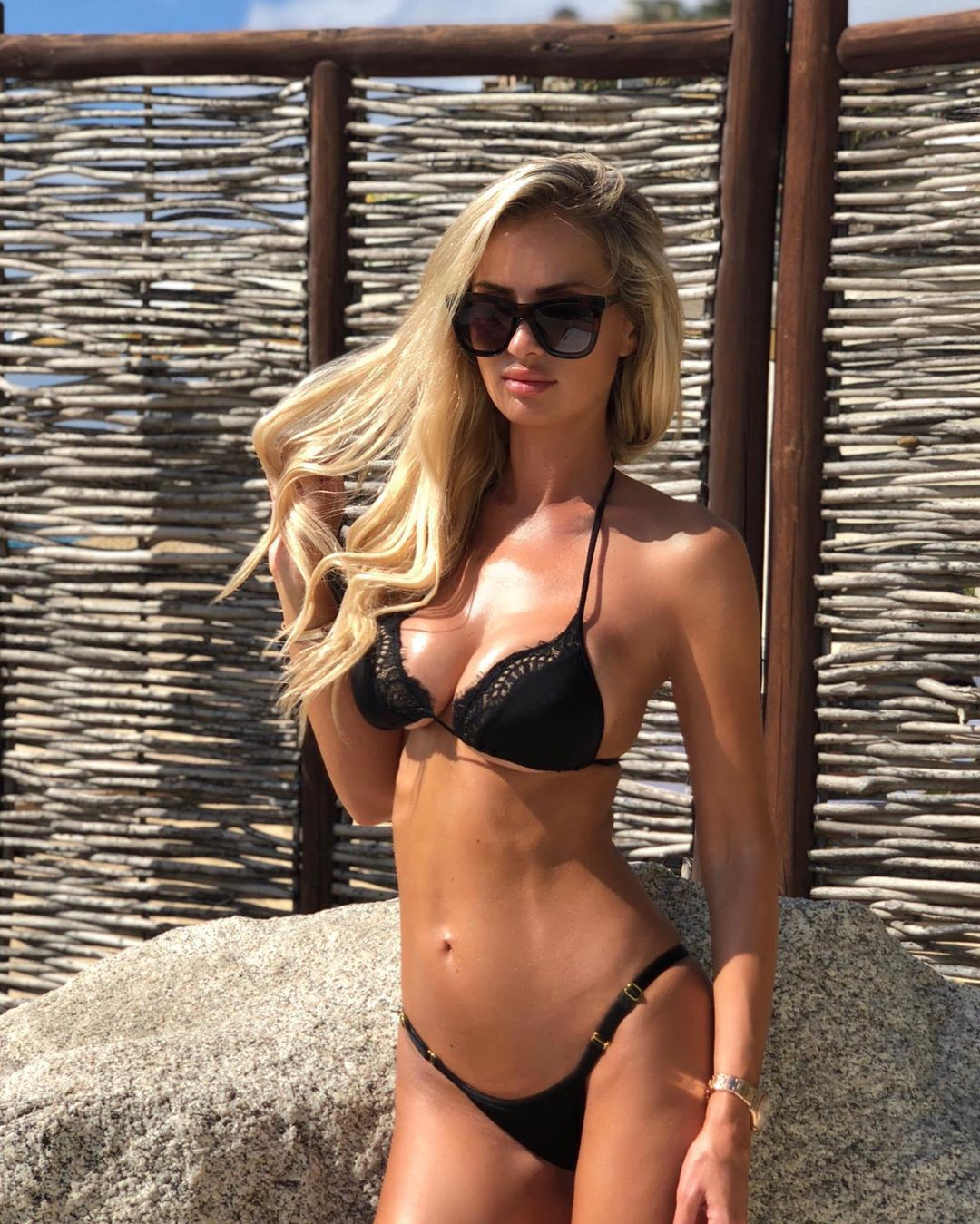 Leanna Bartlett lingerie, bikini swimsuit top, swimwear colour outfit, you must try