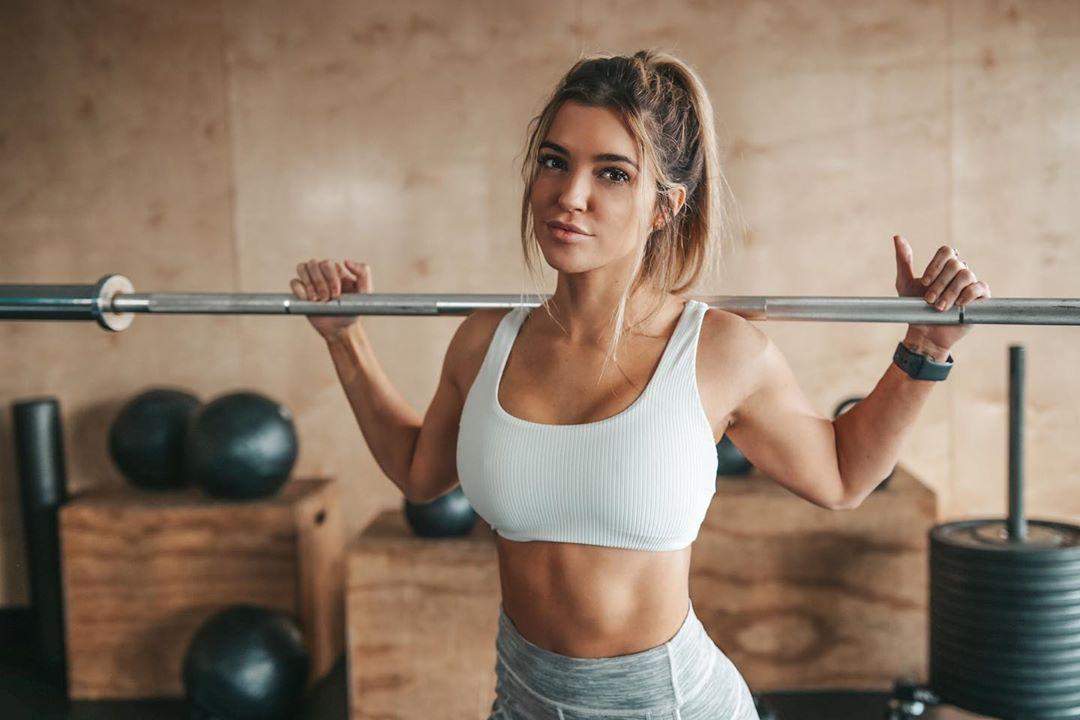 Nikki Blackketter hot body, fitness professional, strength training