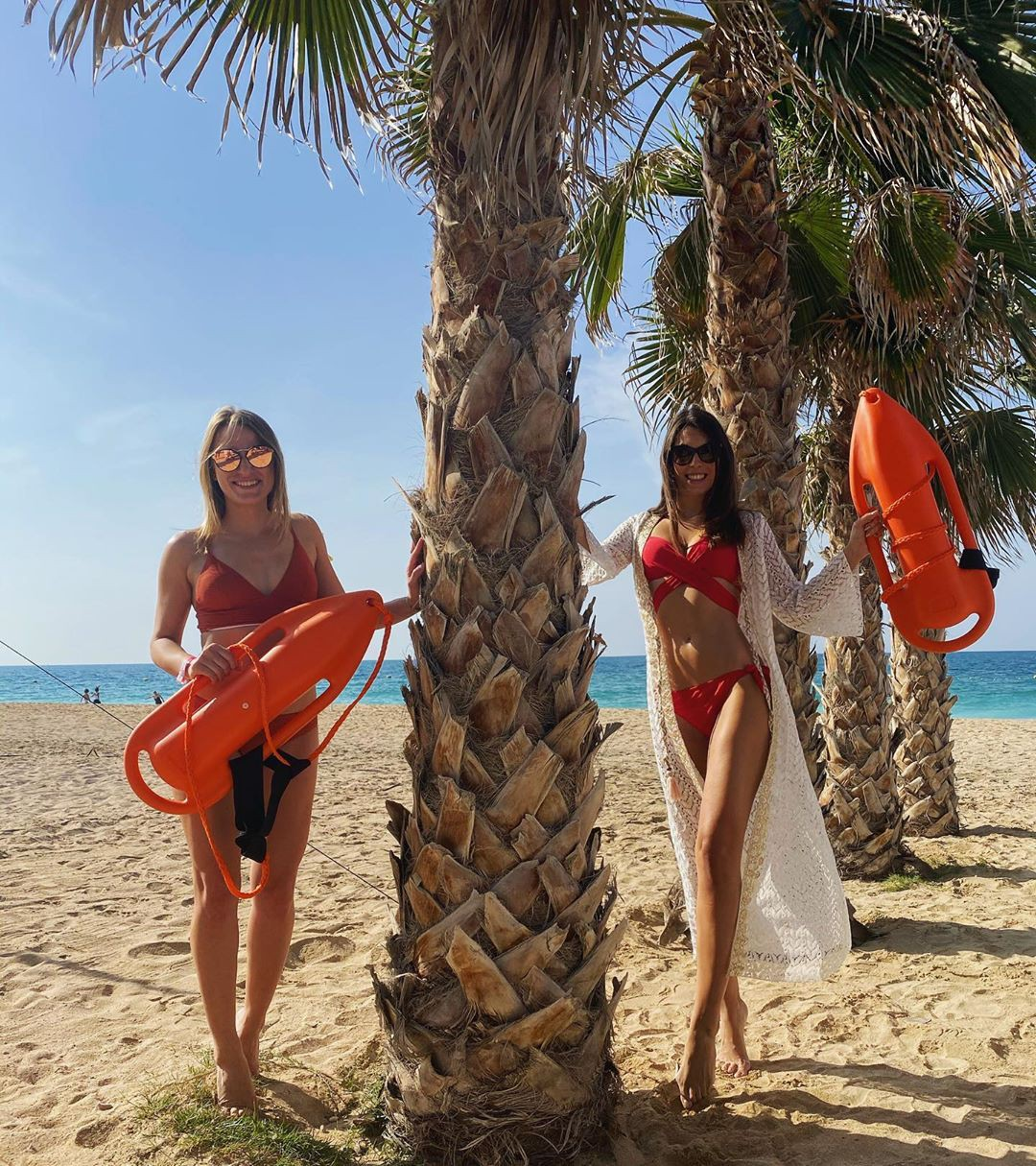 Stefanie Capshield bikini model swimwear colour outfit ideas 2020, fun pic