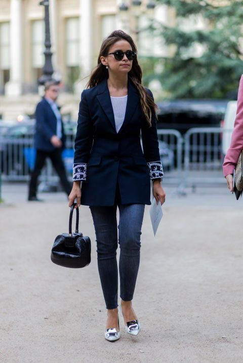 White outfit ideas with mom jeans, trousers, blazer