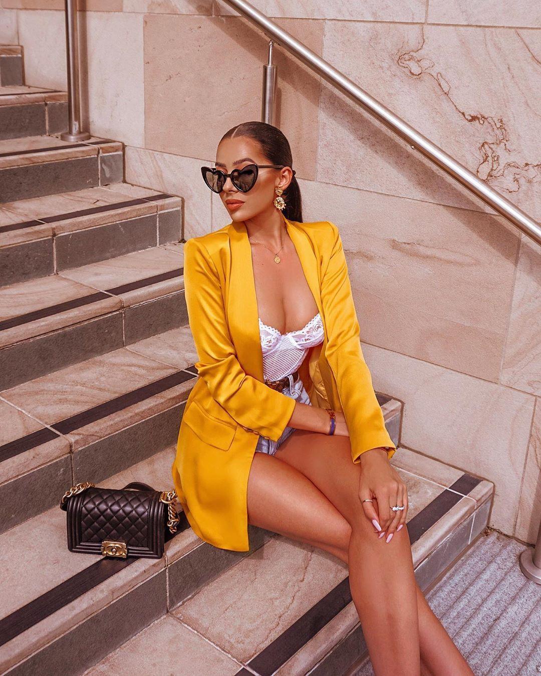 Baddie Fashion Model Yellow Dress