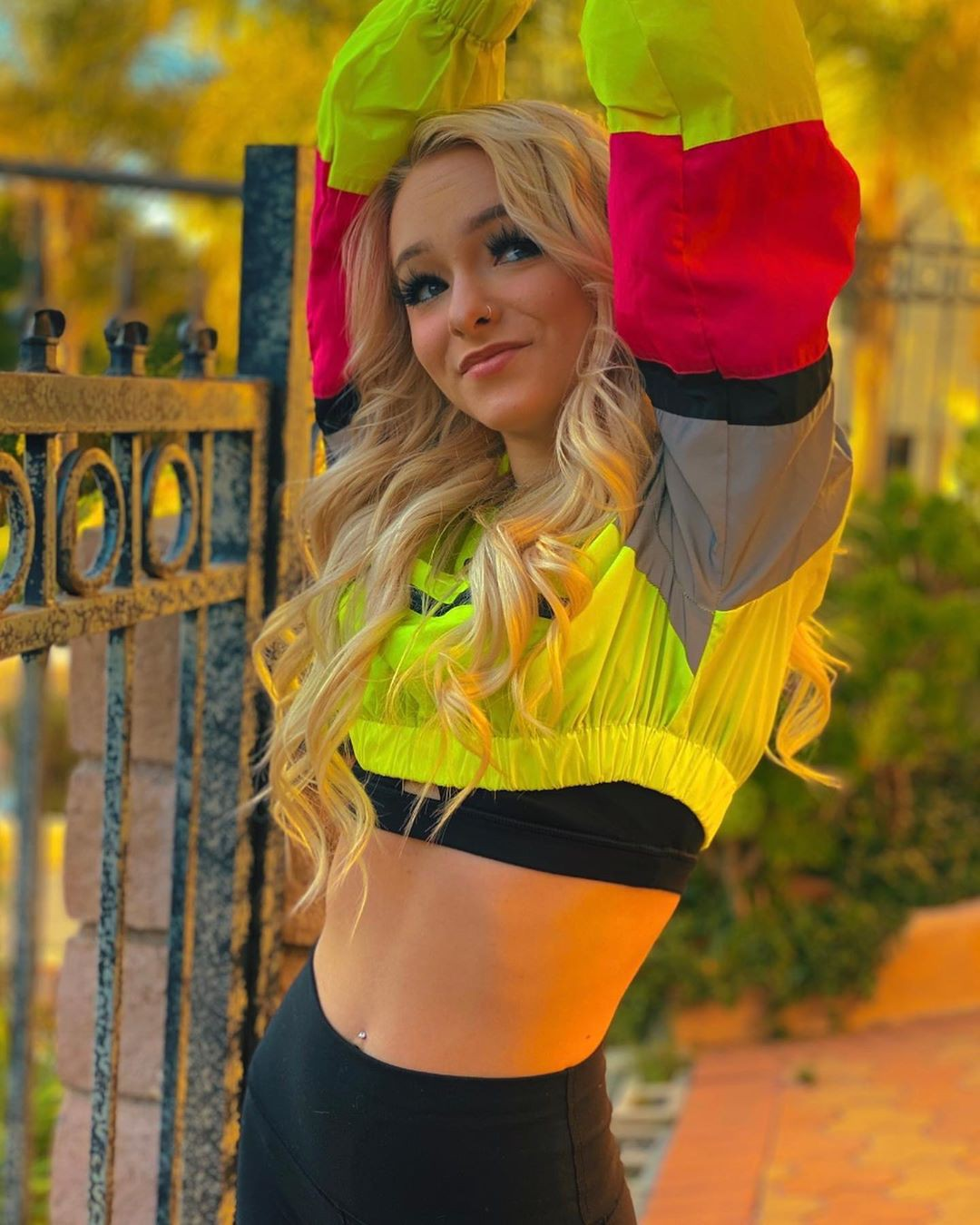 yellow dresses ideas with crop top, cute girls photos, beautiful blond hairs