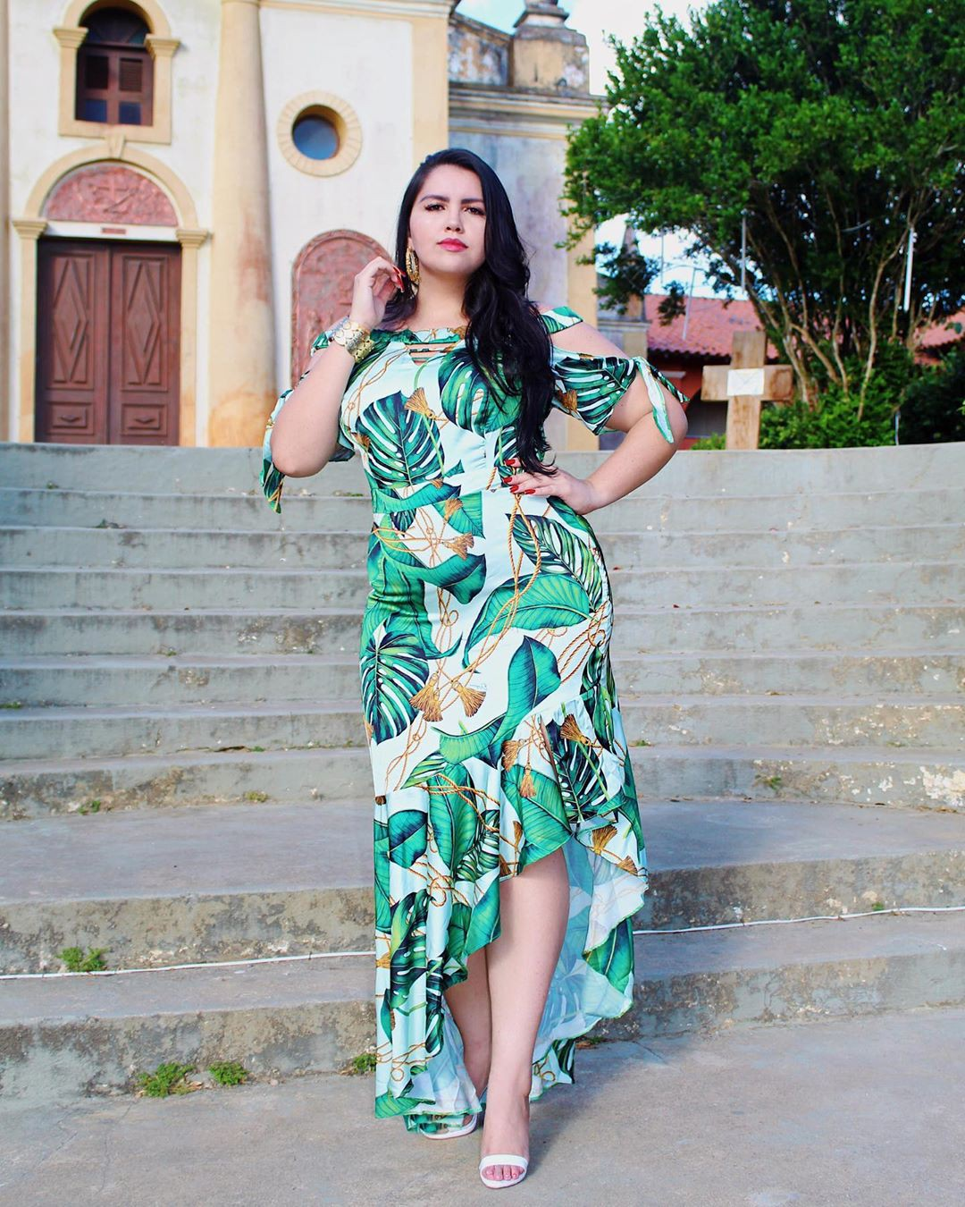 Turquoise and green dress, photoshoot ideas, apparel ideas