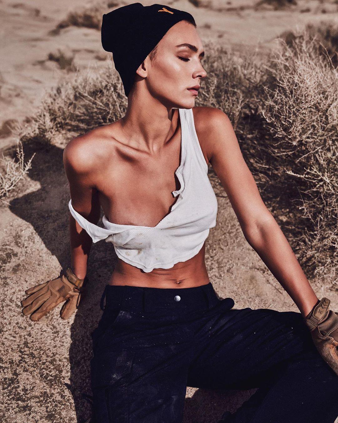 Rachel Cook crop top colour combination, instagram photoshoot, fashion photography