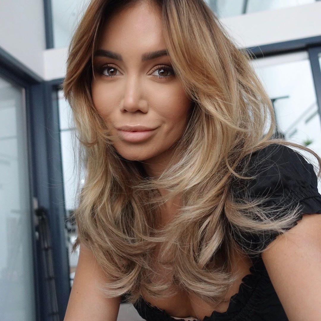 Pia Muehlenbeck in blond hairs, Beautiful Girl Cute Face, Easy Long Hairstyles