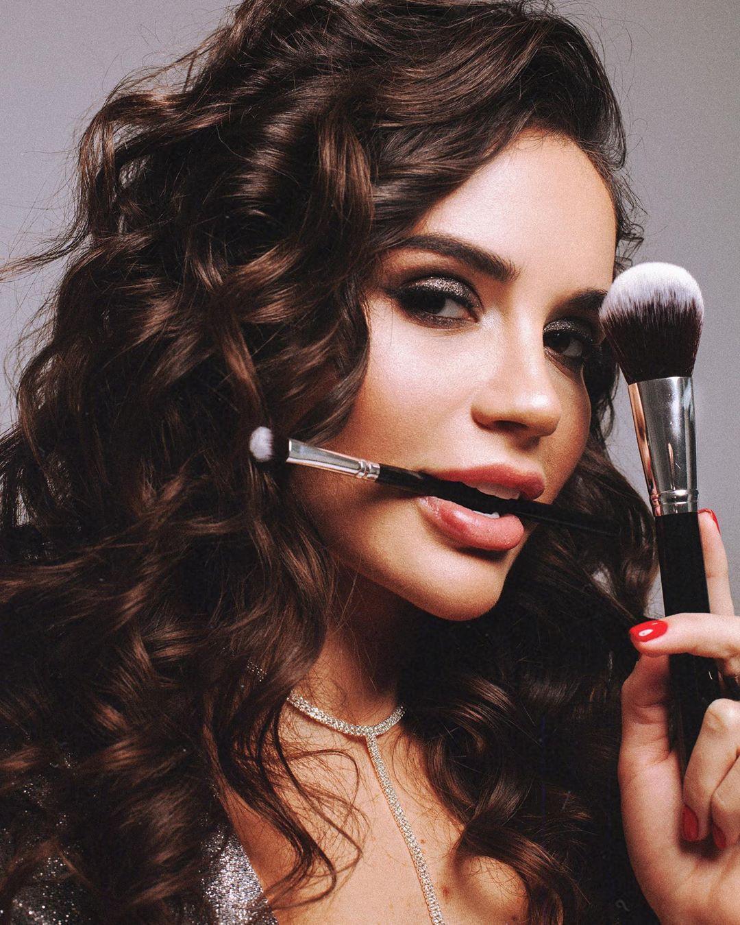 Ekaterina Zueva Black Hair For Girls, Beautiful And Cute Girls, Lip Makeup
