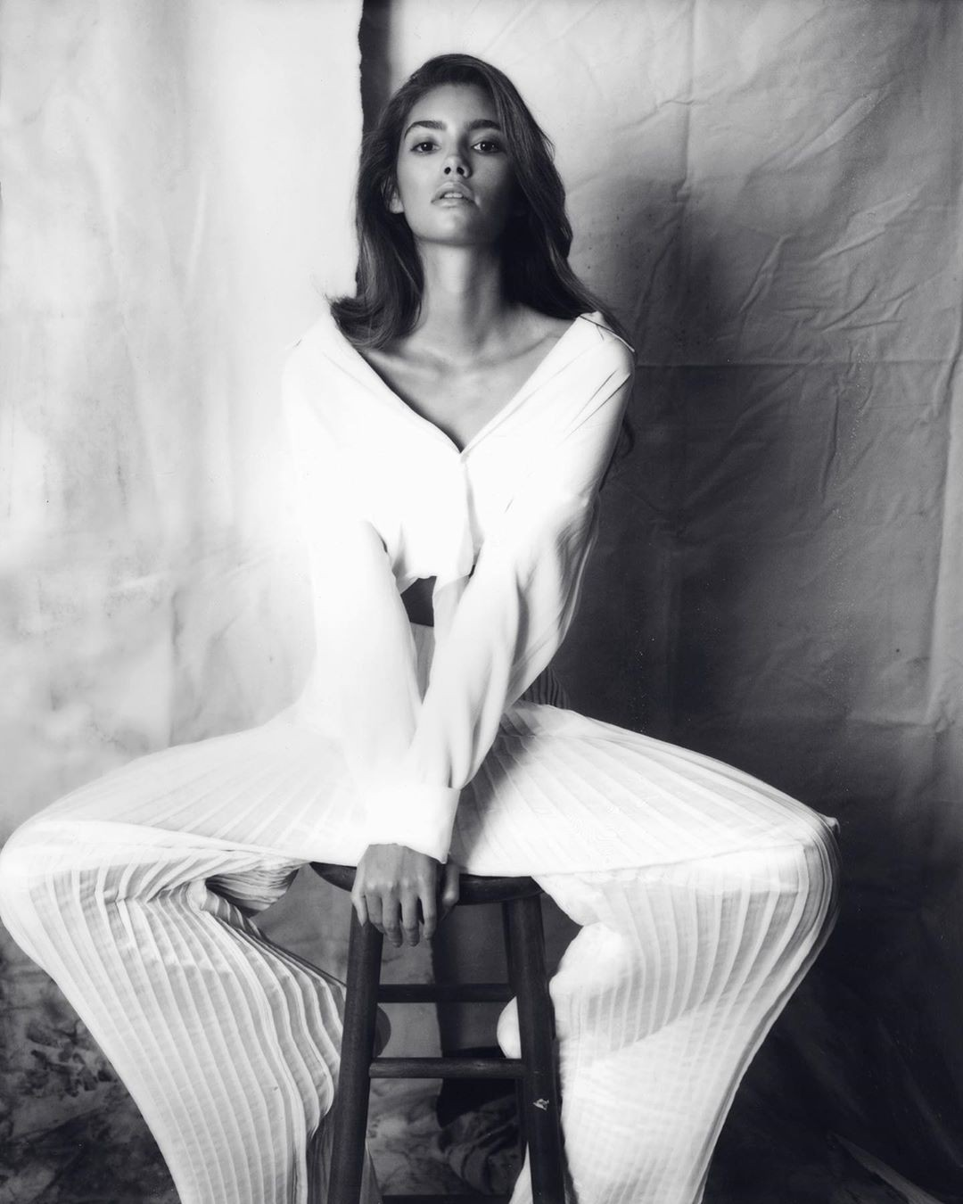 Cindy Mello photoshoot ideas, girls instagram photos, hot legs picture