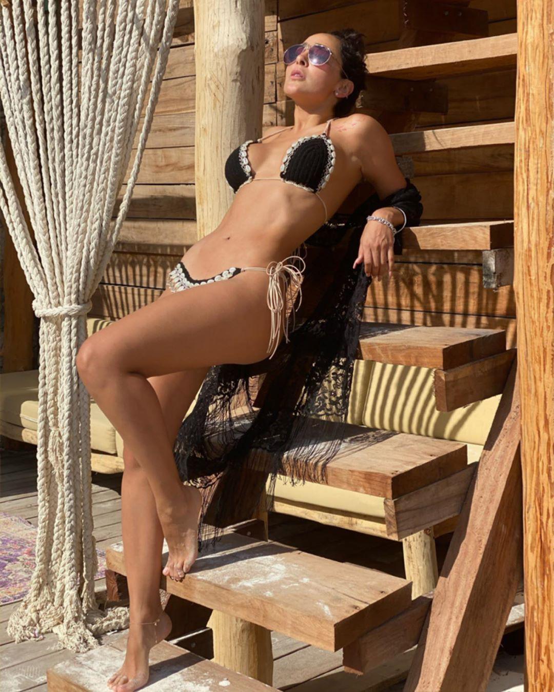 Manelyk Gonzalez hot thighs, legs photo, hot body