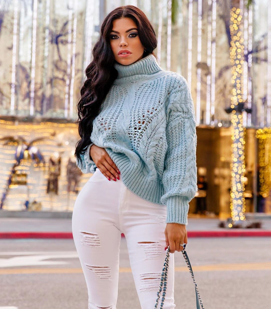 white colour outfit, you must try with sweater, jeans, instagram photoshoot