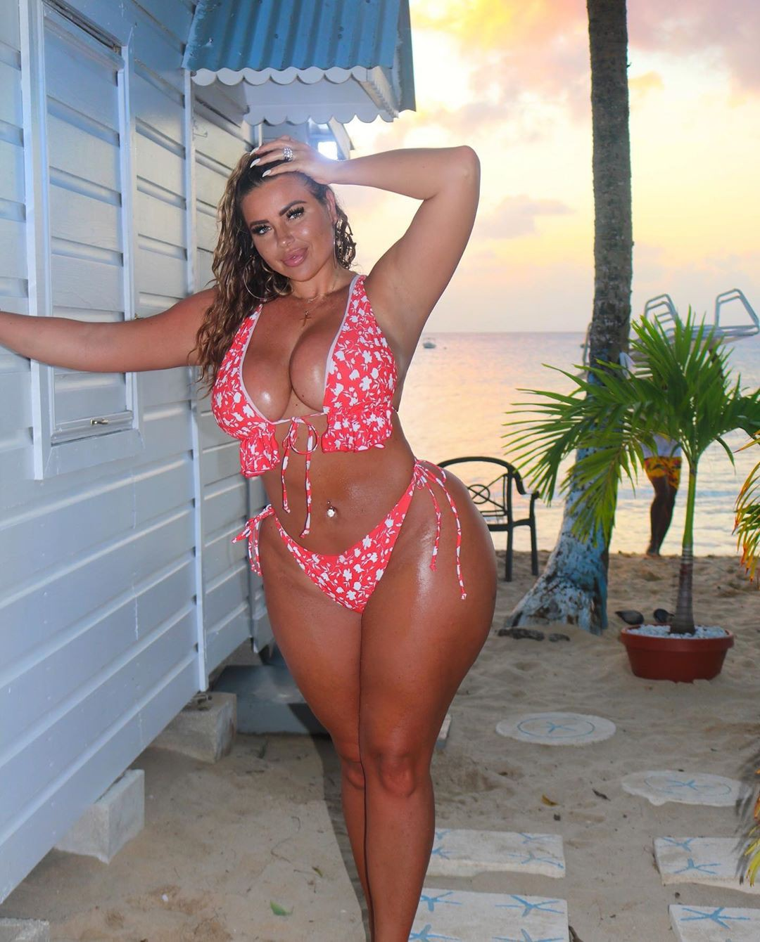 pink matching style with lingerie, bikini, hot girls thighs