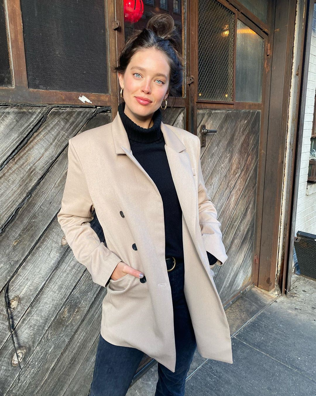 Emily DiDonato trench coat, overcoat, blazer outfits for girls