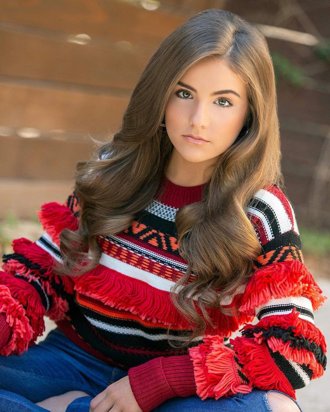 Piper Rockelle Face Makeup, Lip Makeup, Long Hair Style